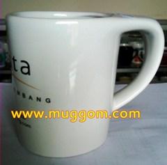 ORder gelas cangkir OVALE, MUG Ovale, MUK Oval, gelas ovale, cangkir Ovale, Souvenir gelas keramik ovale, cangkir mug promosi Ovale