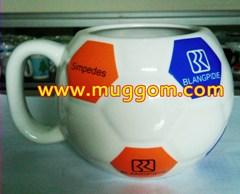 Butuh Mug bola, gelas bola, cangkir bola, cangkir keramik bola, gelas ceramic bola, mug keramik bola, mug model bola, gelas model bola, cangkir model bola